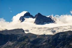 Picos helados del macizo de Dachstein fotografía de archivo