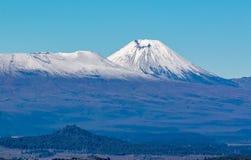 Picos nevados no inverno adiantado fotografia de stock royalty free