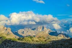Picos rocosos alpinos Imagen de archivo libre de regalías