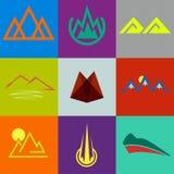 pictogrammen en symbolen in vorm van bergen Stock Afbeelding
