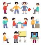 Pictogrammen met mensen en studenten worden geplaatst die Stock Fotografie