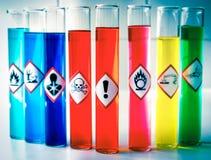 Pictogrammes chimiques alignés de danger - risque sanitaire Photo stock