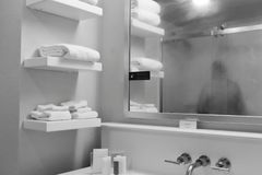 Picture of a hotel bathroom stock photos