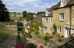 Picturesque Cotswolds - Tetbury. The picturesque old cottages of The Chipping Steps, Tetbury, Cotswolds, Gloucestershire, UK stock images