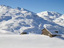 Picturesque traditional cabin in the Alps Royalty Free Stock Images
