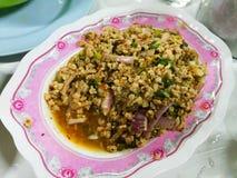 Picy a haché la salade de porc, mâche hachée de porc avec la nourriture épicée et thaïlandaise photos stock