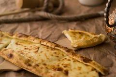 Pide de Tukish con queso/el pide de Kasarli Foto de archivo