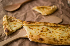 Pide de Tukish con queso/el pide de Kasarli Imagen de archivo