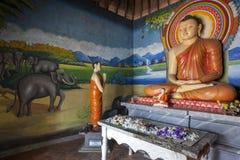 Pidurangala佛教寺庙的图象房子在锡吉里耶,斯里兰卡 免版税图库摄影