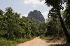 Pidurangala岩石寺庙,锡吉里耶斯里兰卡 免版税库存照片