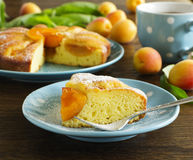 Pie with fresh peaches Royalty Free Stock Images