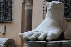 Pie izquierdo del coloso de Constantina Fotografía de archivo libre de regalías