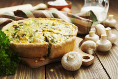 Pie with mushrooms, chicken and herbs Royalty Free Stock Photos