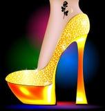 Pie y zapato de oro Fotografía de archivo