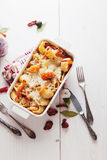 Piec Conchiglioni makaron z srimps, serem i kremowym kumberlandem, Fotografia Royalty Free