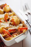 Piec Conchiglioni makaron z srimps, serem i kremowym kumberlandem, Obrazy Stock