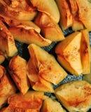 Piec jabłka z cynamonowym zakończeniem Zdjęcie Stock