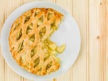 Piec Jabłczanego kulebiaka I Custard deser Obrazy Stock