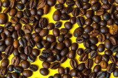 Piec kawowe fasole, odgórny widok Zdjęcie Royalty Free