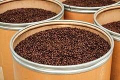 Piec kawowe fasole w wiadrach Fotografia Stock