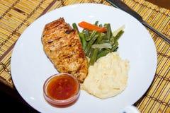 Piec kurczak pierś z puree ziemniaczane Zdjęcie Stock