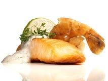 Piec na grillu łososia Polędwicowa i Tygrysia krewetka obraz royalty free