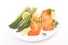Piec na grillu asparagus łosoś i Obraz Royalty Free