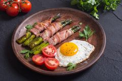 Piec na grillu asparagus z bekonem Obraz Royalty Free