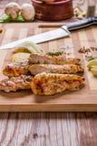 piec na grillu białego mięsa kurczaka pierś, kurczak obdziera obraz stock
