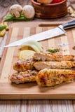 piec na grillu białego mięsa kurczaka pierś, kurczak obdziera Obraz Royalty Free