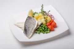 Piec na grillu dennego basu ryba Zdjęcia Royalty Free