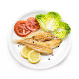 Piec na grillu klinów warzywa i podeszwa Hiszpańszczyzny podeszwy ryba Zdjęcia Stock