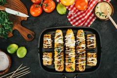 Piec na grillu kukurudza z maionese Fotografia Stock