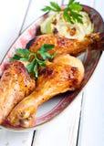 piec na grillu kurczaków drumsticks obrazy stock