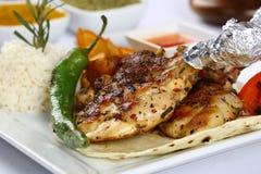 Piec na grillu kurczaków kotleciki obrazy royalty free