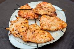 Piec na grillu kurczak na Skewers Obrazy Royalty Free