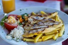Piec na grillu kurczak pier?, zdjęcie royalty free