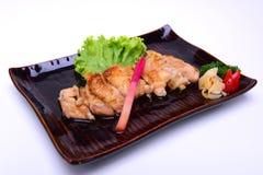 Piec na grillu kurczak Teriyaki, odizolowywający na białym tle z Cl Zdjęcia Royalty Free