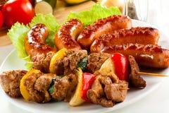 piec na grillu mięsne kiełbasy Fotografia Royalty Free