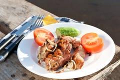 piec na grillu mięso składa warzywa Obrazy Royalty Free