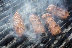 Piec na grillu Minced Mięsne rolki Obraz Royalty Free