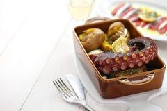 Piec na grillu ośmiornica z grulami, polvo lagareiro, Portugalska kuchnia Obraz Royalty Free