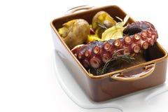 Piec na grillu ośmiornica z grulami, Portugalska kuchnia Fotografia Stock