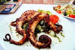 Piec na grillu ośmiornica z warzywami Fotografia Stock
