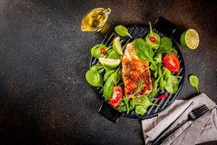 Piec na grillu łososiowego stku filet Obraz Royalty Free