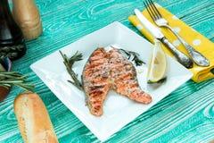piec na grillu łososiowy stek Obraz Royalty Free