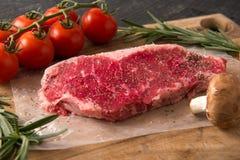 Piec na grillu paska Loin stku serie: Surowy mięso Obraz Royalty Free