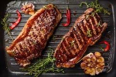 Piec na grillu paska stek z pikantność obraz royalty free