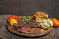 Piec na grillu polędwicowy wołowina obrazy royalty free