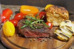 Piec na grillu polędwicowy wołowina obraz stock